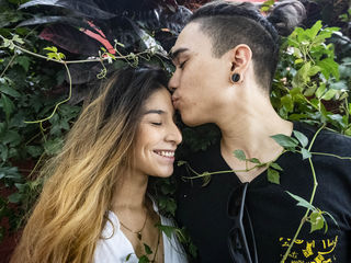 Latina Teen Webcam Model Deeluxxe