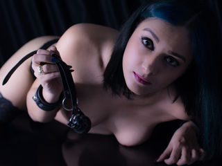 CarlaMinelli - white fetish cam model