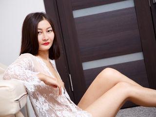 Asian cam model EmiMisis