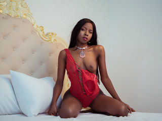 Ebony Live Image AlessaBarton