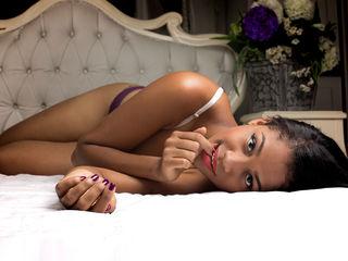 AlessiaDownes Latina Webcam girl
