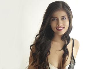 Latina Teen Webcam Model KellieBolt