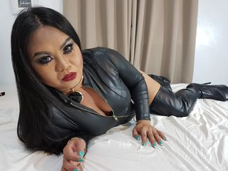 Live cam asian tranny BoobsyLIPSnPOPs