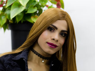 Latina shemale web cam live Thamye